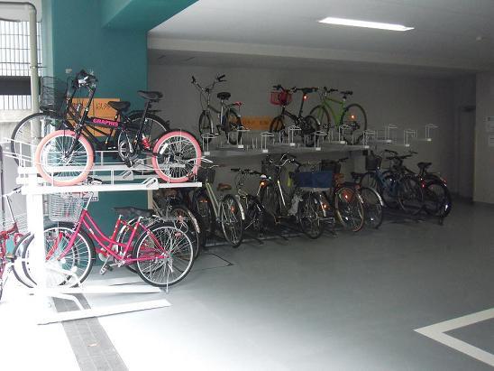 駐輪場2.JPG